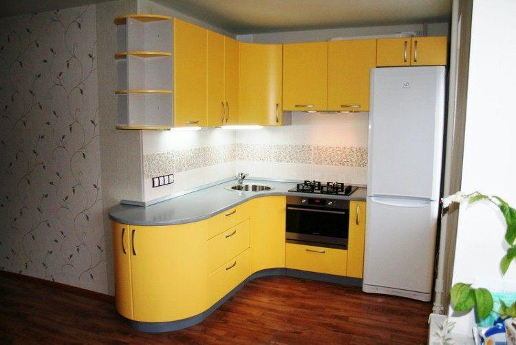 угловая кухня для маленькой кухни фото