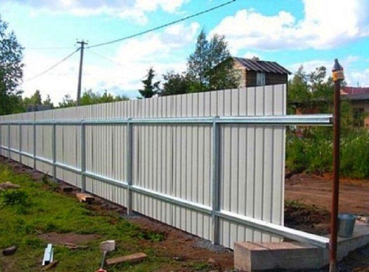забор из профнастила фото на даче