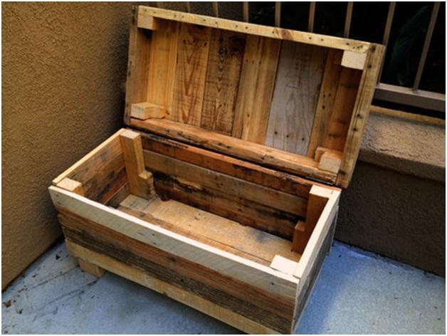 мебель из деревянных ящиков и  паллет