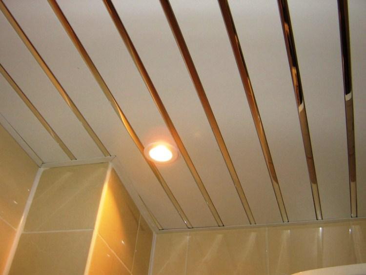 Реечный потолок в ванной фото