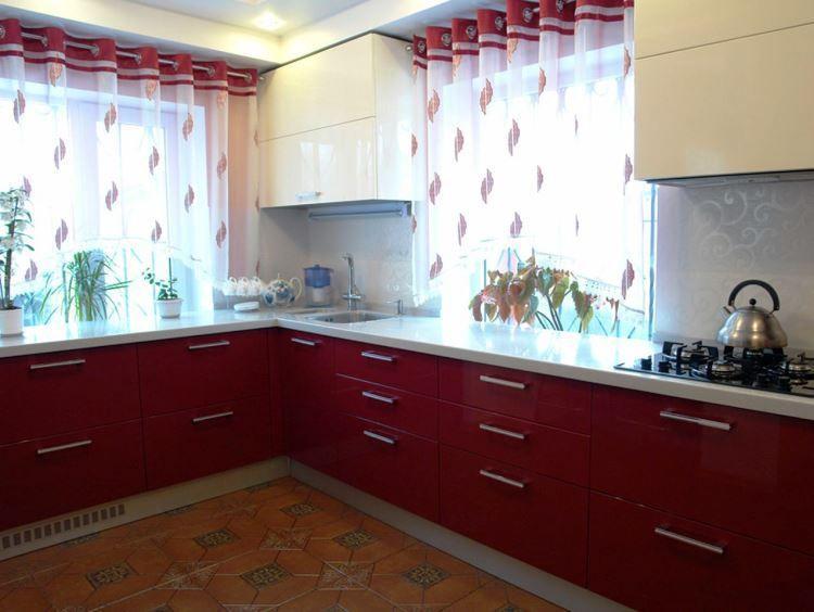 Модные шторы на кухню фото