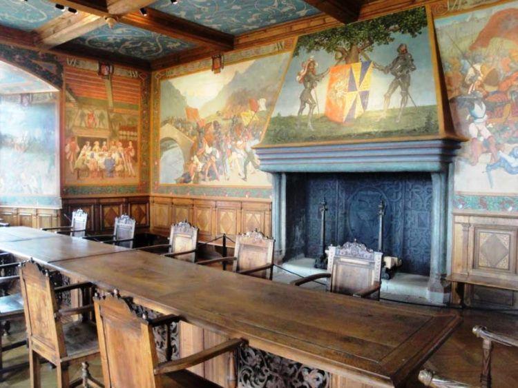 фрески в интерьере гостиной фото 3