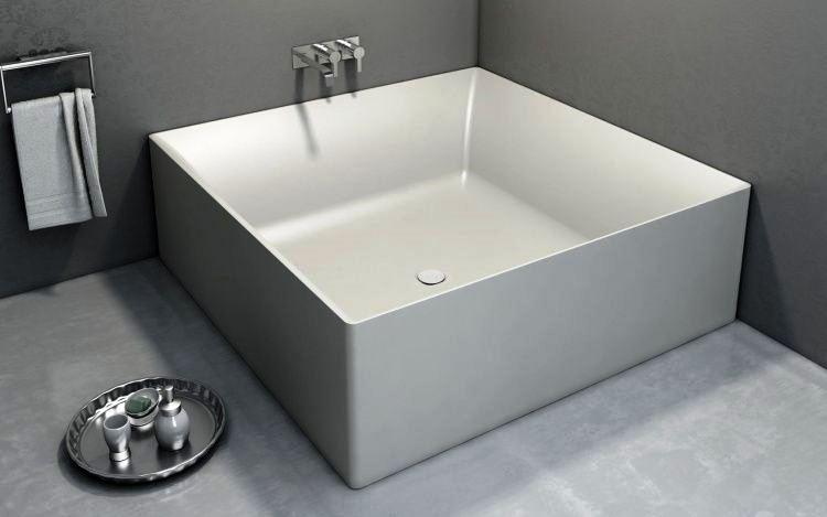 маленькая угловая ванна в ванной комнате фото 10