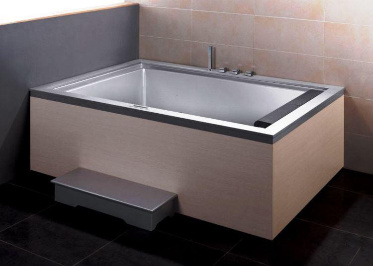 маленькая угловая ванна в ванной комнате фото 11