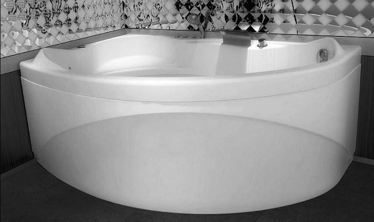 маленькая угловая ванна в ванной комнате фото 15