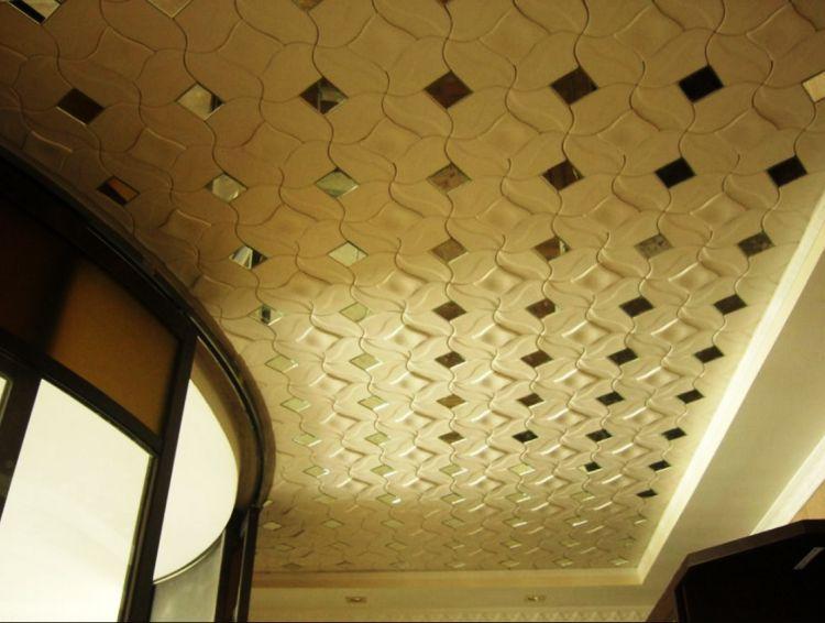 потолочная плитка из пенополистирола фото
