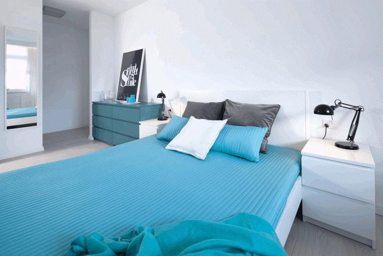 Спальня в бело голубых тонах фото