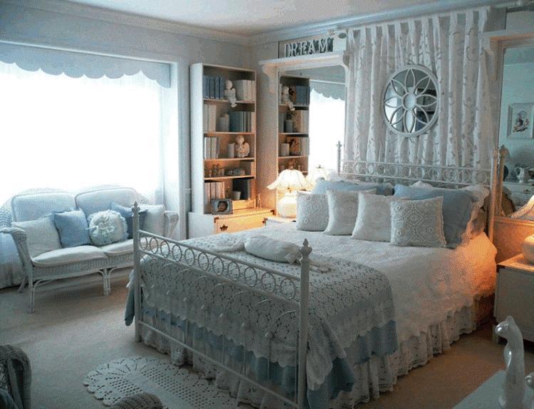 Бело голубая спальня фото