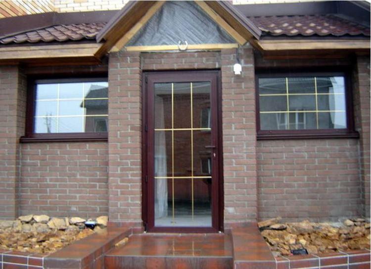 входная пластиковая дверь со стеклом фото 2