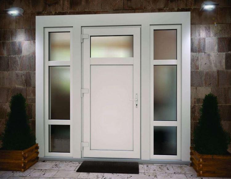 входная пластиковая дверь со стеклом фото 8