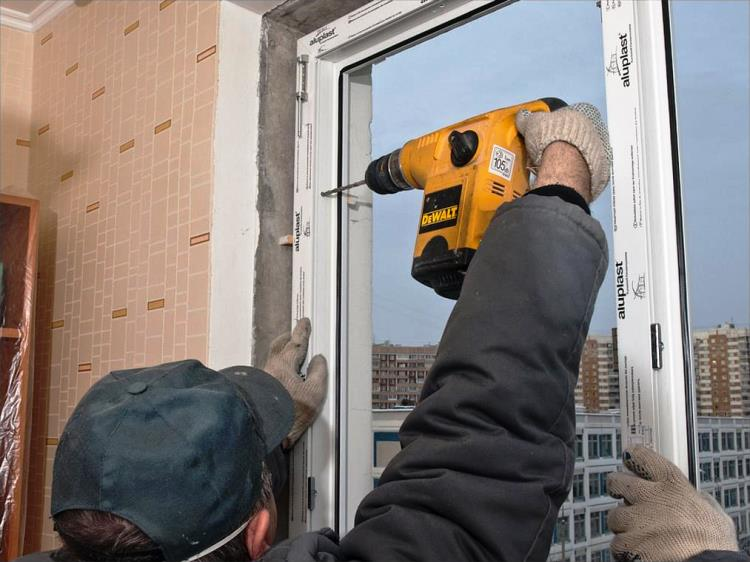 установка пластикового окна фото 7